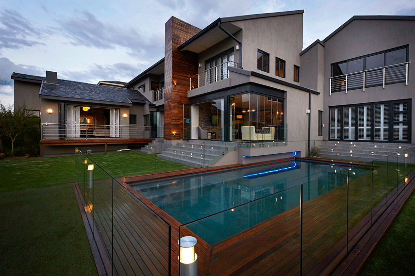 glass pool fence for a modern home