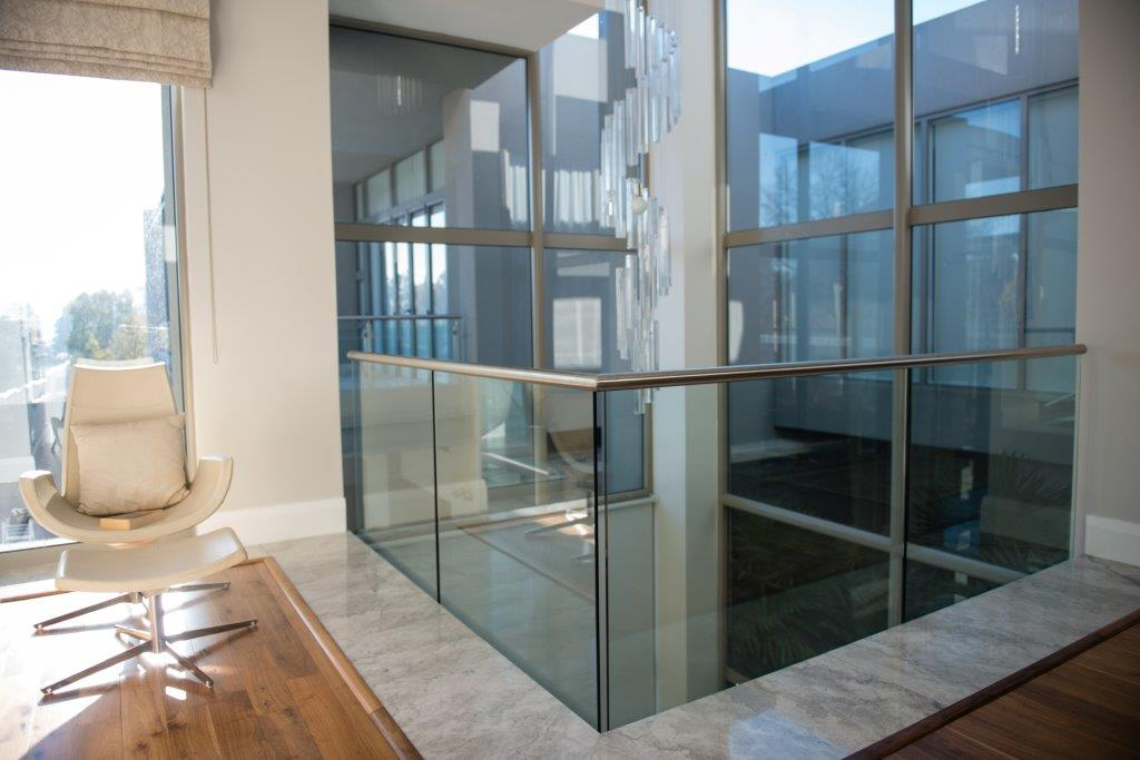 glass balustrade image (7)